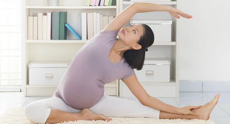 Prenatal-Pilates-exercise